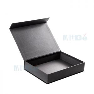 Box Custom Made Luxury Clothing Packaging With Magnetic Flap2