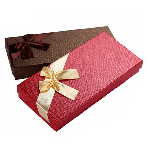 Luxury Custom Small Buckle Gift Box Packaging For Apparel4