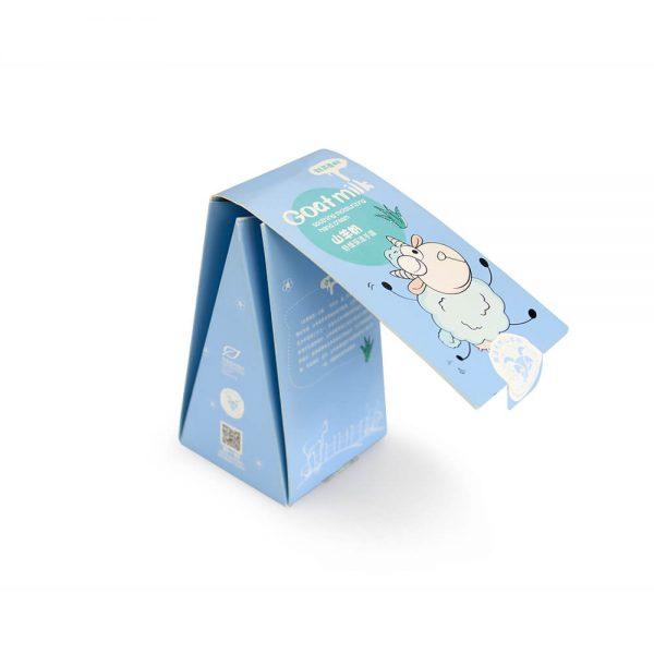 Custom Triangular Boxes Packaging2