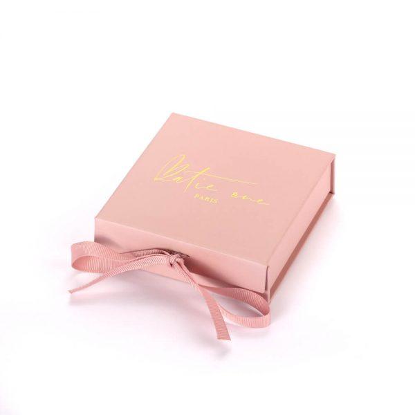 Gift Box With Ribbon1