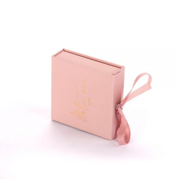 Gift Box With Ribbon3